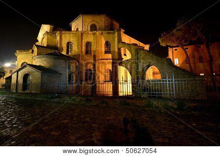 Ravenna San Vitale laterale