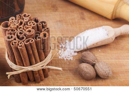 Cinnamon Pile
