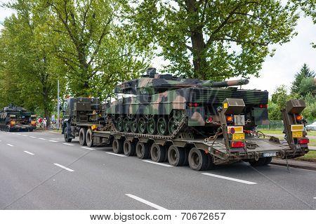 Leopard 2 Tanks Transport