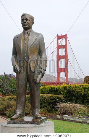 Statue of Joseph B. Strauss.  Backdrop of the Golden Gate Bridge.
