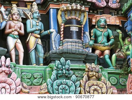 Ramayana Scenery Around Shivalingam On Gopuram.