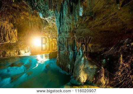 Okinawa Gyukusendo cave and lake