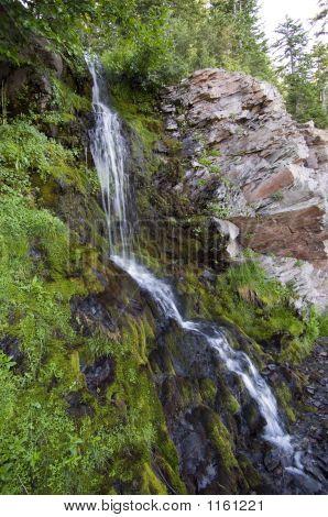 Vidae Falls Near Crater Lake