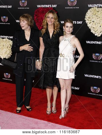 Shirley McLaine, Julia Roberts and Emma Roberts at the Los Angeles Premiere of
