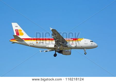 ZURICH - JULY 18: IBERIA A-319 landing in Zurich airport on July 18, 2015 in Zurich, Switzerland. Zurich airport is home port for Swiss Air and one of the biggest european hubs.