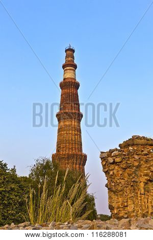 Qutb Minar, Delhi, The Worlds Tallest Brick Built Minaret At 72M, Built Between 1193 And 1386