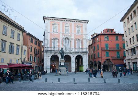 Piazza Garibaldi In Pisa With A Statue Of Garibaldi
