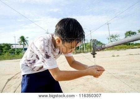 Faucet Boy