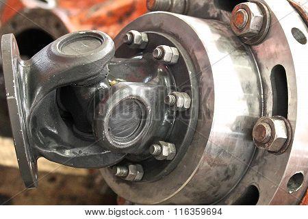 Wheel assembly rotation transmitting gear shaft, steel poster