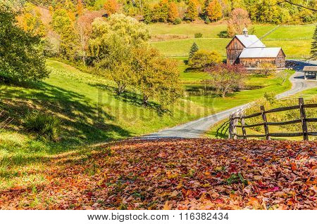 Old Barn In Beautiful Vermont Autumn Landscape