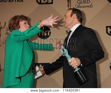 LOS ANGELES - JAN 30:  Carol Burnett, Kevin Spacey at the 22nd Screen Actors Guild Awards at the Shrine Auditorium on January 30, 2016 in Los Angeles, CA