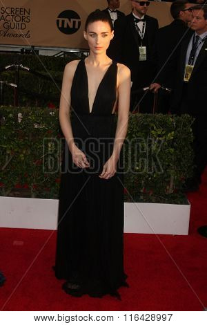 LOS ANGELES - JAN 30:  Rooney Mara at the 22nd Screen Actors Guild Awards at the Shrine Auditorium on January 30, 2016 in Los Angeles, CA
