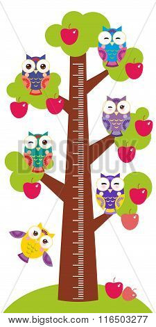 set bright colorful owls Big apple-tree with green leaves and red apples on white background Childre