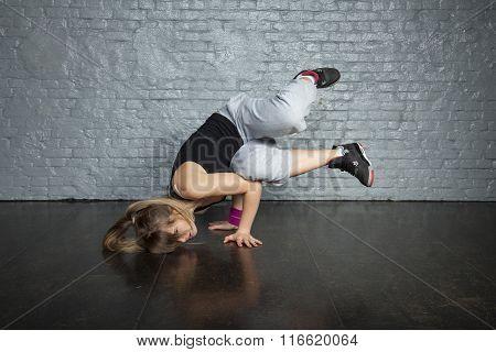 Brake Dance Girl