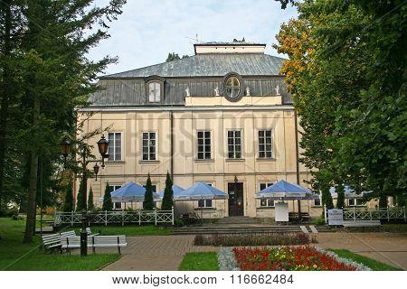 Naleczow Malachowski Palace