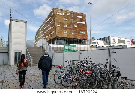 Almere, Netherlands - May 5, 2015: People Walking In Modern City Center Of Almere