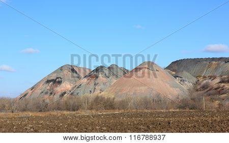 Heaps of coal mines