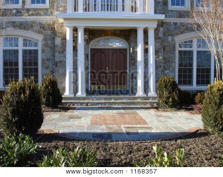 Mansion_Entranceway