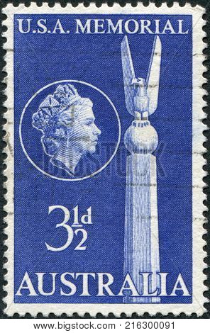 AUSTRALIA - CIRCA 1955: A stamp printed in Australia, dedicated to 13th anniversary of the Battle of the Coral Sea, shows the Top of US Monument, Canberra, circa 1955