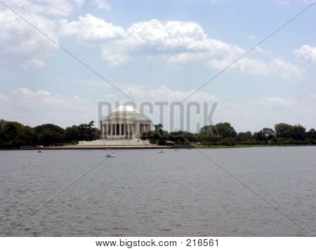 Paddleboating Past The Jefferson Memorial