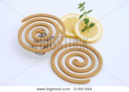 lemon grass mosquito fumigator with lemon slices