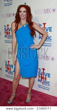 LOS ANGELES - JUL 11: Phoebe Price at Intermix's 3rd Annual 'VH1 Rock Honors' VIP Party at Intermix on July 11, 2008 in Los Angeles, California