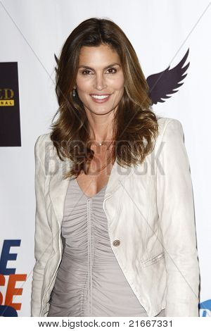 LOS ANGELES - APR 29: Cindy Crawford at the 18th Annual Race to Erase MS event in Los Angeles, California on April 29, 2011