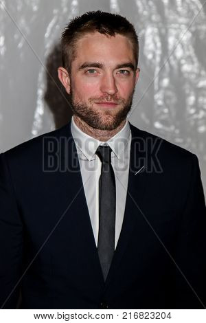 NEW YORK, NY - NOVEMBER 27: Robert Pattinson attends the 2017 IFP Gotham Awards at Cipriani Wall Street on November 27, 2017 in New York City.
