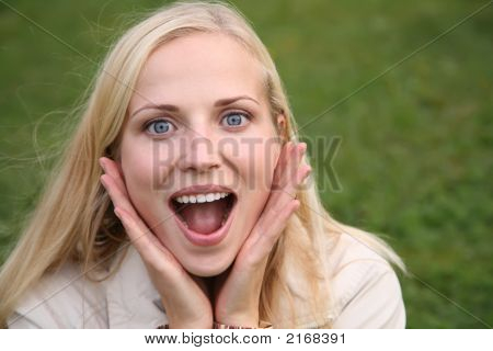 Mujer se sorprende