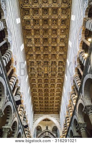 Pisa, Italy - September 16, 2018: This Is The Gilded Wooden Ceiling Of The Main Nave Of The Cathedra