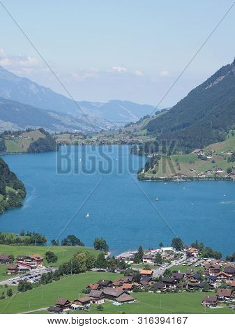 European Lake Brienz Andscapes Seen From Brunig Pass In Switzerland With Clear Blue Sky In 2018 Warm