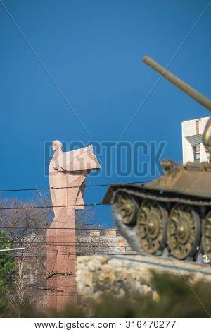 Monument To Vladimir Lenin In Tiraspol, Moldova