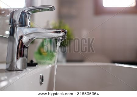 Open Faucet Washbasin With Low Water Pressure