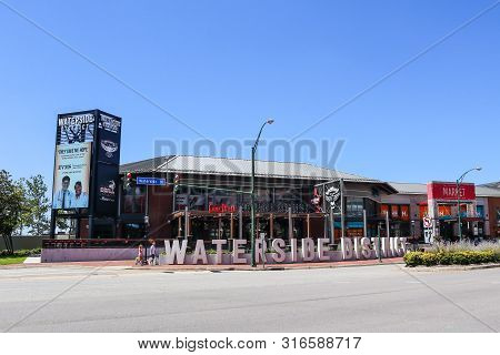 Norfolk, Virginia/usa - July 22, 2019: The Waterside District, An Entertainment And Dining Venue Loc