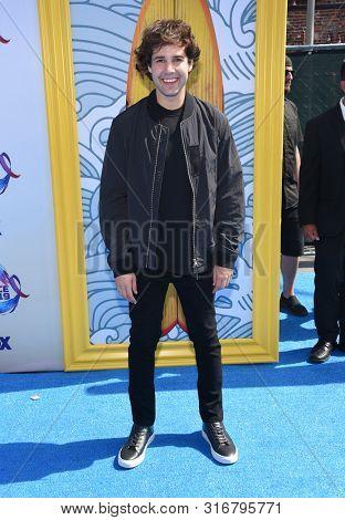 LOS ANGELES - AUG 11:  David Dobrik arrives for the 2019 Teen Choice Awards on August 11, 2019 in Hermosa Beach, CA