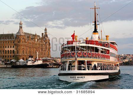 Passenger Ship; Baris Manco