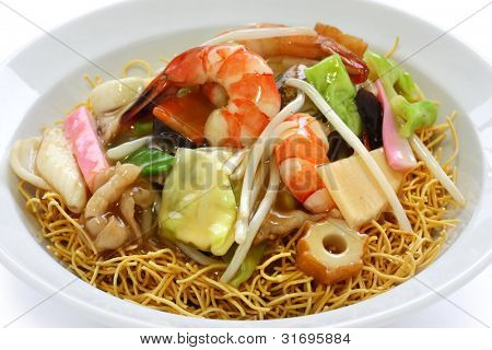 chop suey on deep-fried noodles, sara udon, japanese cuisine