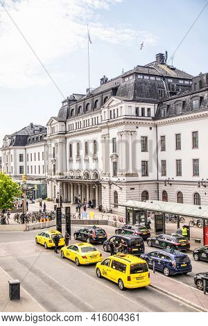 Stockholm, Sweden June 7 2019: Central Railway Station. Many Yellow Taxi Cars In Line On A City Stre