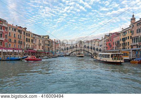 Venice, Italy - January 9, 2017: Rialto Bridge Over Grand Canal Tourist Atrraction At Winter In Veni