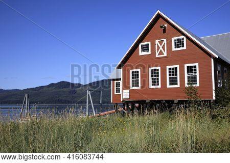 Strait Point, Alaska / Usa - August 13, 2019: An Old Wooden  House At Strait Point, Strait Point, Al