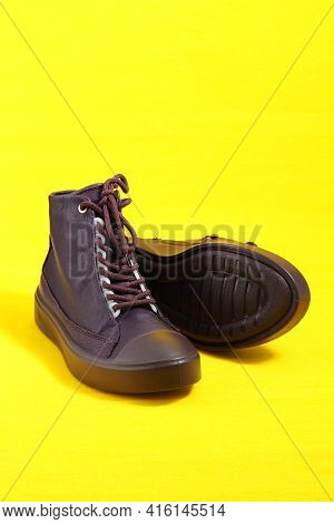Womens Shoes. Stylish Womens Shoes, Insulated On A Yellow Background With A Place For Inscription. V
