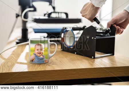 Mug Heat Transfer Print Press. Digital Merchandise