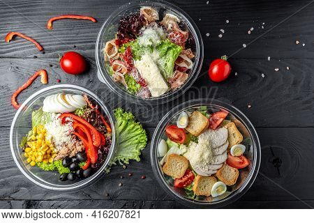 Set Healthy Light Diet Salad In Plastic Package For Take Away Or Food Delivery. Food In Containers.