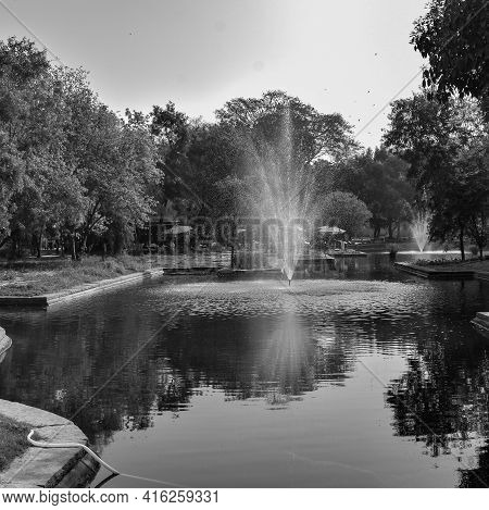 Fountain In The Garden Of Sunder Nursery In Delhi India, Working Fountain In The Sunder Nursery Comp