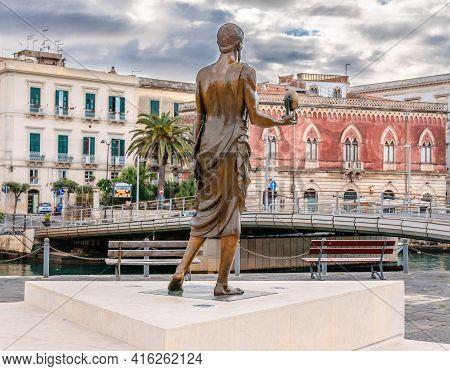 Syracuse, Sicily/italy - January 28 2018: Archimedes Statue