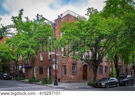 New York City, Usa, May 2019, View Of A Red Brick Buildings At Waverly Place And W 11 St In The West