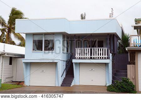 Yeppoon, Queensland, Australia - April 2021: Retro House In Beachfront Suburb