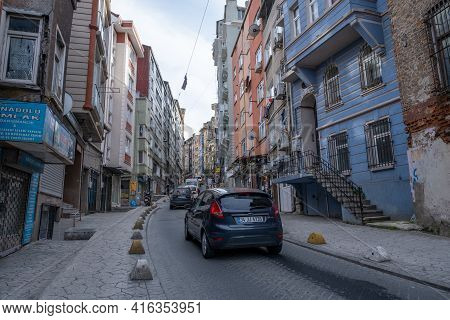 Taksim, Istanbul, Turkey - 03.12.2021: Traffic Jam In One Of Famous Taksim Side Streets And Historic