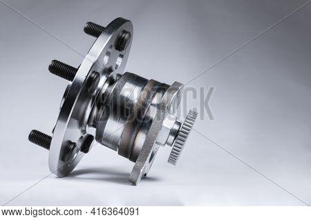 The Concept Is New High Quality Original Spare Parts. New Original Wheel Hub With Bearing. New Origi