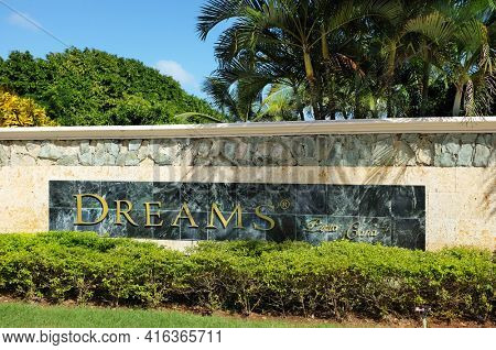 PUNTA CANA, DOMINICAN REPUBLIC - DEC 21, 2016:  Entrance sign at Dreams Punta Cana in the Dominican Republic. The resort is one of several properties in the AMResorts Collection.